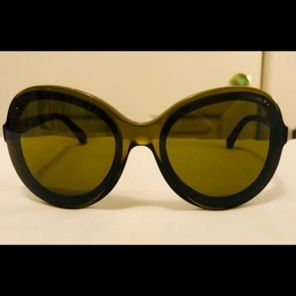 CHANEL Accessories - Chanel Round Logo Sunglasses Studded 71199 S1590